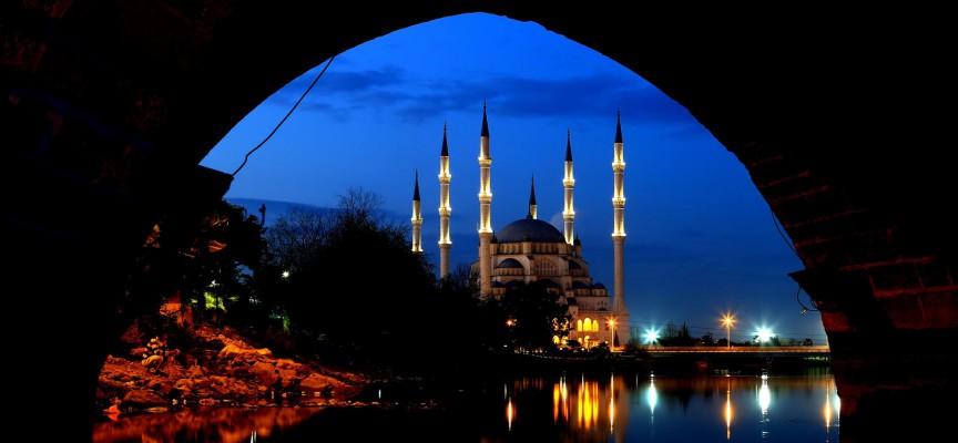 Najveća na Bliskom istoku: Centralna džamija u Adani može pri