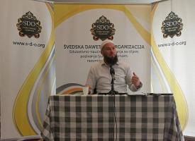 Hfz Almir Kapić – Pitanje o činjenju dobrih djela javno