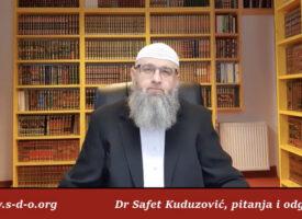 Ljubljenje mushafa – Dr Safet Kuduzović